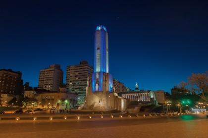 1 Monumento a la Bandera nocturna (Rosario) PRENSA