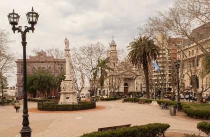 2 Plaza 25 de Mayo (Rosario) - PRENSA